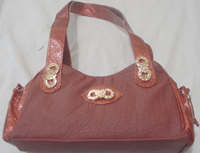 Ladies simple hand bag in maroon color